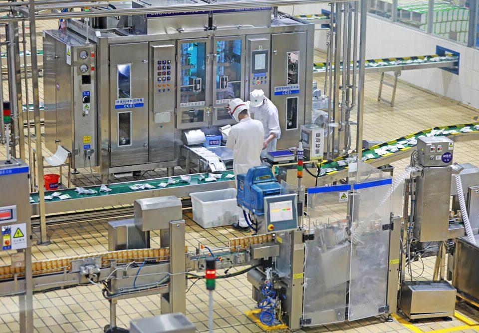factory-modern-line-advantech-solotion